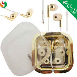 Cheap Price Promotion Earphone with Gift Box pictures & photos