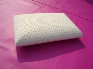 Traditional Shape Natural Latex Pillow Factory Price (Comfort06) pictures & photos