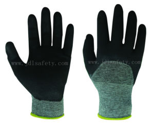 Anti-Cut Half Coating Work Glove with Nitrile (K8084-18) pictures & photos
