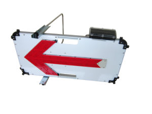 Solar LED Arrow Direction Traffic Sign pictures & photos