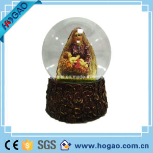 OEM Polyresin Manger Snow Ball pictures & photos