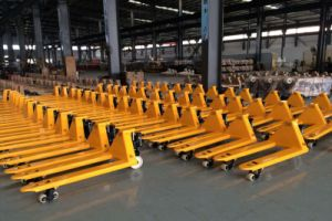 2-5 T New Designed Hand Pallet Truck with CE pictures & photos