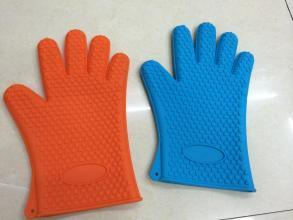 Hot Sell Food Grade Silicone Heat Resistant Oven Finger Gloves pictures & photos