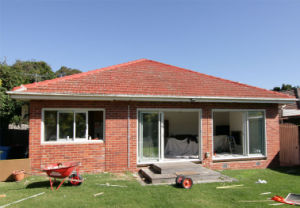 Innovative Easy Clean Sills Double Low E Glass Aluminium Patio Bifold Doors pictures & photos