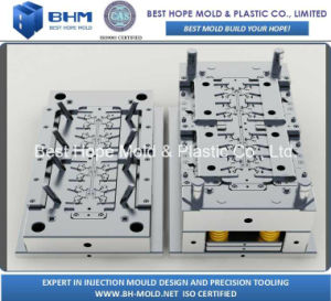 High Precision Plastic Mold for Pinch Clamp pictures & photos
