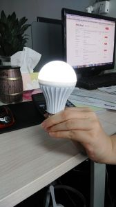 5W Rechargeable LED Smart Bulb Light with 3 Years Warranty pictures & photos