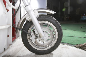 Three Wheel Motorcycle for Handicapped pictures & photos