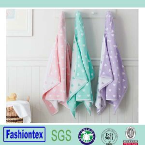 High Quality Baby Bathrobe Bath Hooded Towel Lovely Hooded Towel pictures & photos