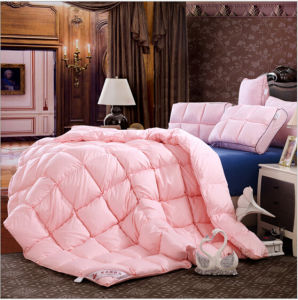 Custom King Bed Soft 75% Duck Down Pink Quilt pictures & photos