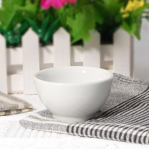 Fashion Style Porcelain Round Soup Bowl for Hotel pictures & photos