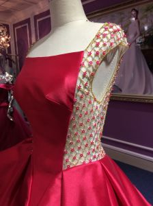 Red Satin Princess Wedding Dress with Delicate Beading Work pictures & photos