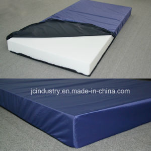 High Density Orthopedic Foam Hospital Mattress with Waterproof Cover pictures & photos