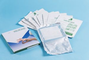 Medical OEM, ISO, Ce Approved Sterile Paraffin Gauze, Wound Dressing pictures & photos