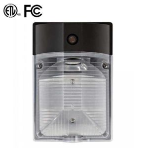 Energy Saving IP65 LED Outdoor Wallpack Light with ETL FCC Approval pictures & photos
