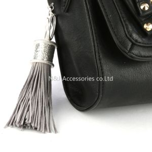 Fashion Casual Grey PU Leather Tassels Women Keychain Bag Pendant Alloy Car Key Chain Ring Holder Retro Jewelry pictures & photos