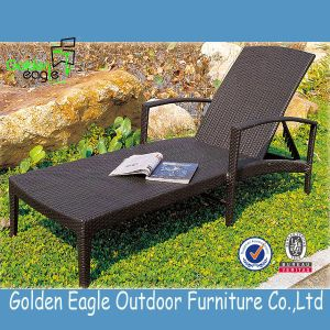 Outdoor Rattan Beach Chairs SGS PE Rattan Sun Lounger