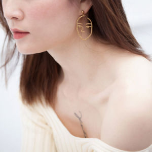 Popular Exaggerated Punk Fashion Jewelry Hollow Human Face Dangle Earrings pictures & photos