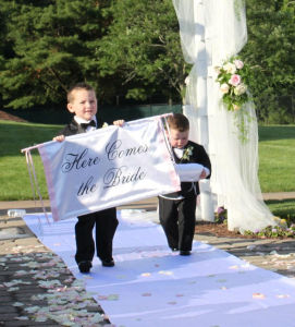 The Bride Banner Wedding Sign Ceremony Banner Ringbearer Flower Girl Photo Prop Fabric Banner pictures & photos