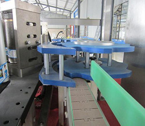 OPP Hot Melt Glue Roll Feed Labeling Machine pictures & photos