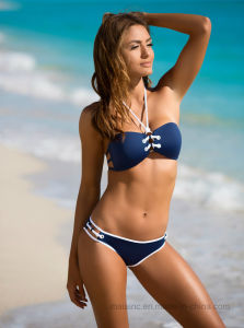2017 Ladies High Quality Swimsuit pictures & photos