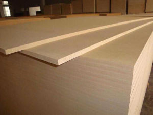 Good Quality 1220X2440mm Plain MDF Board pictures & photos