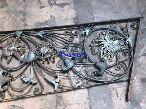 High Quality Hand Forged Wrought Iron Railing pictures & photos