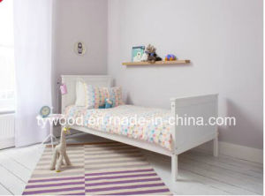White Hot Saling Solid Pine Post Bed pictures & photos