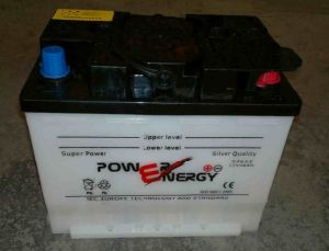 54612 12V46ah Dry Charged Lead Acid Car Battery pictures & photos