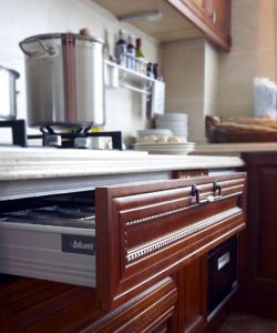 Antique Brown Solid Wood Kitchen Furniture (zq-026) pictures & photos