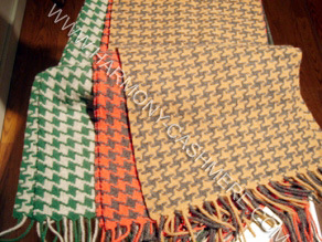 100%Cashmere Woven Scarf with Houndstooth pictures & photos