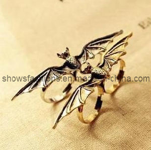Finger Ring/Two-Finger Alloy Antique Plated Ring/ Fashion Jewelry (XRG12062) pictures & photos