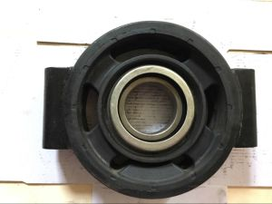 Auto/Truck Rubber Parts Center Bearing Driveshaft Support for Iveco