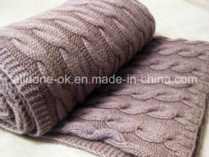 New Design Comfortable Cable Hand Knitted Blankets pictures & photos