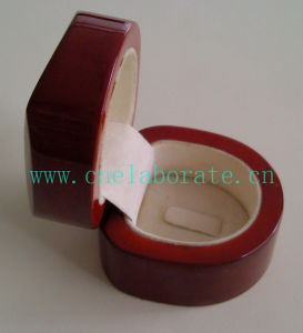 Custom Wooden Ring Box pictures & photos