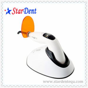 Hospital Medical Product Woodpecker LED Curing Light of Dental Equipment pictures & photos