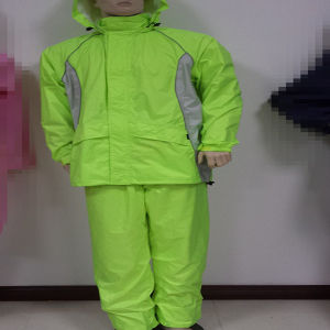 Fluorescence Green Raincoat with Reflective Tape pictures & photos