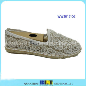 New Designer Women Casual Shoes with Lace Flowers pictures & photos