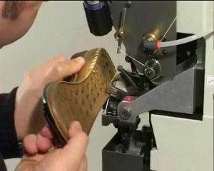Thread Ornamental Side Seams Lockstitch Industrial Shoe Sole Stitching Machine pictures & photos