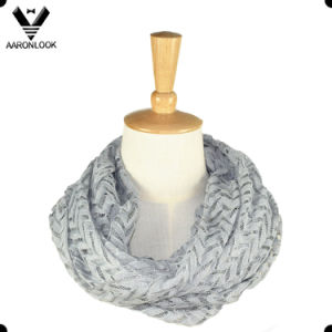 2016 Lady New Style Chevron Knit Round Scarf pictures & photos