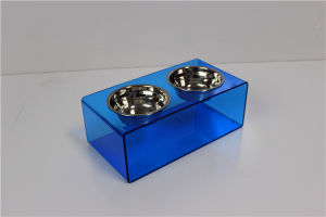 High Transparent Pets 5 Star Modern Solid Acrylic Dog Feeder with 2 Extra Heavy 1-Quart Gold Bowls pictures & photos