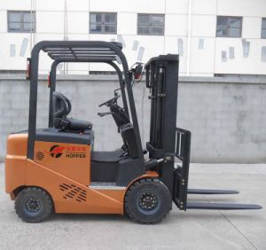 Sitting Type 4-Wheel Electric Forklift Truck (CPD20E) pictures & photos