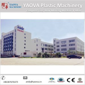 Hand Feed Preform Pet Stretch Blow Molding Machine Yv-5000h pictures & photos