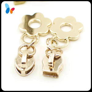 Customized Fashion Decorative Gold Zipper Puller for Handbag pictures & photos