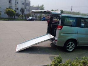 Manual Wheelchair Loading Ramp for Van Rear Door pictures & photos