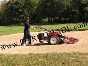The Latest Walking Type Sand Cleaning Machine pictures & photos