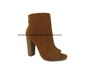 New Fashion Women Chunky High Heel Ankle Boots with Punch Hole pictures & photos