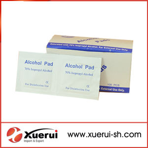 Medical Disposable Sterile Alcohol Pad pictures & photos