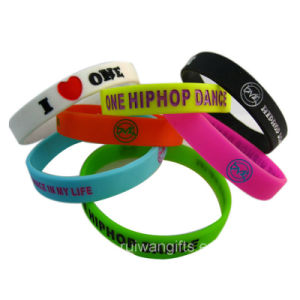 Debossed Logo in Color Silicone Bracelet (SIB038) pictures & photos