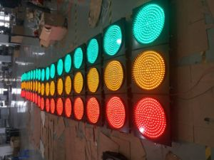 IP65 Red & Green LED Flashing Traffic Light / Traffic Signal pictures & photos