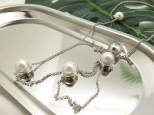 Fashion Women Costume Jewelry White Fresh Water Pearl Chain Necklace with CZ Stone pictures & photos
